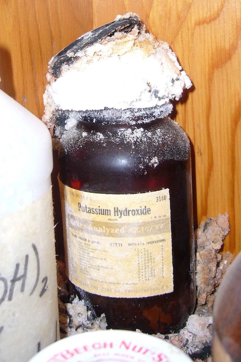potassium-hydroxide-blowing-its-top-2